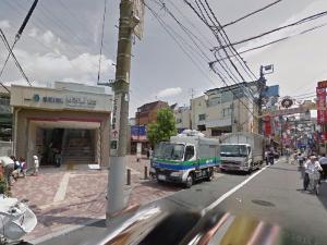 南口改札を出て、商店街に向かって歩きます